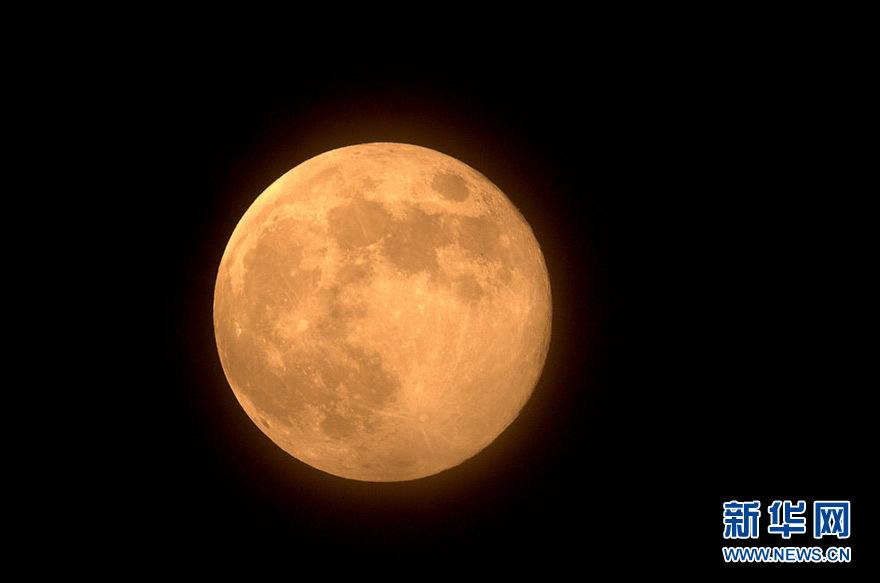 """""""月圆人团圆"""":中秋节我们一起赏月(组图)"""