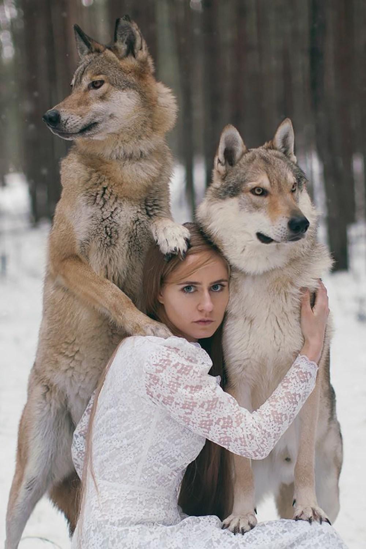 """揭秘:美国真人版的""""美女与信息""""-科技频道-和讯网抠美女野兽图片"""